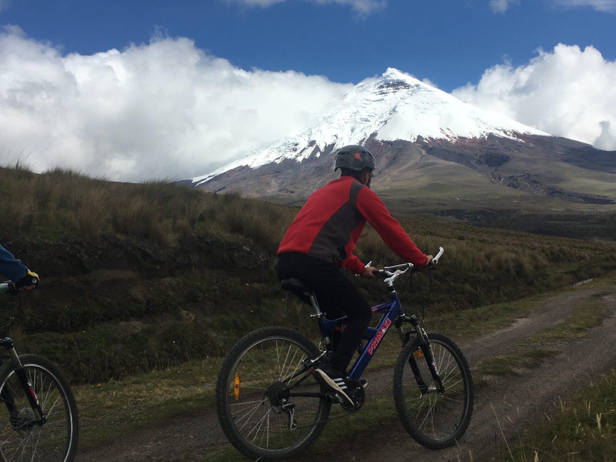 COTOPAXI BIKING ECUADOR